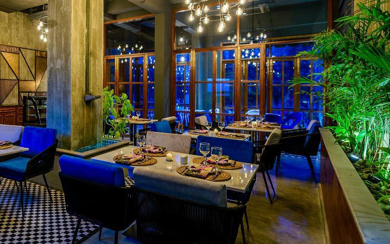 "<img src=""restaurants & cafes.jpg"" alt=""restaurants & cafes business ideas in Pakistan"">"